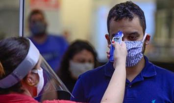 Primeiro caso de covid-19 no Brasil completa um ano