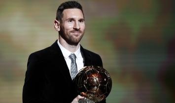 Messi conquista Bola de Ouro pela sexta vez e se torna maior vencedor do prêmio