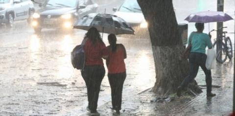 Chuvas voltam à região na noite de sábado e devem permanecer até a próxima semana