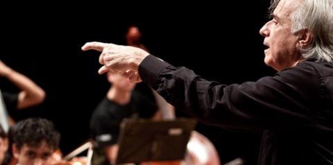 Americana terá show drive-in com maestro João Carlos Martins