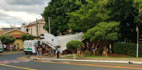 Motorista atropela diversas pessoas em Santa Bárbara