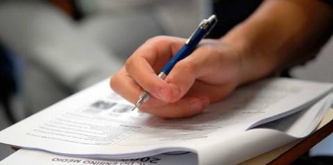 Professora faz análise da prova de redação do ENEM deste domingo