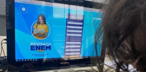 FAM realiza Revisaço online gratuito para o ENEM