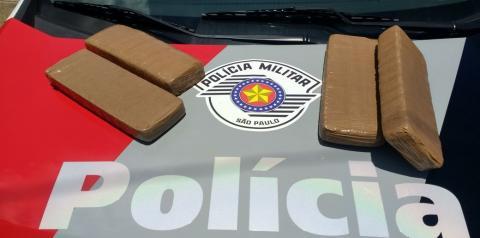 Polícia encontra drogas dentro de mala de ex-presidiário