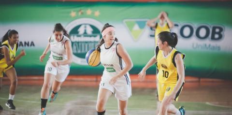 Sub-13 feminino de basquete participa do Torneio ARB em Americana