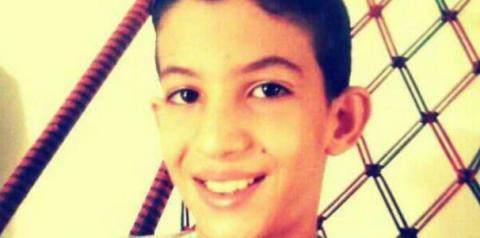 Aluno de 12 anos morre após ser atingido por trave de gol
