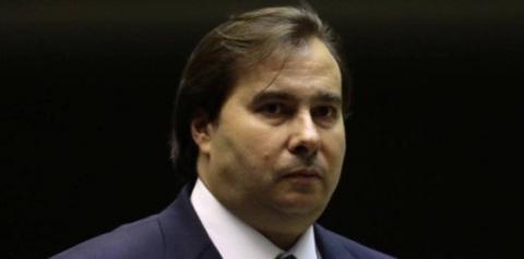 Rodrigo Maia ameaça deixar articulação política da Previdência