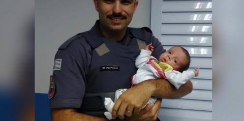 Bebê engasgado é salvo por policias militares em Americana