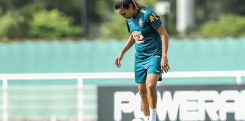 Vadão confirma ausência de Marta na estreia da seleção brasileira no Mundial
