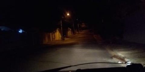 Sem iluminação pública, casa é furtada 3 vezes em S.Bárbara