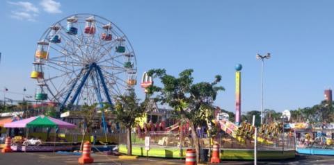 Parque de diversões começa a funcionar nesta quinta-feira no Tivoli