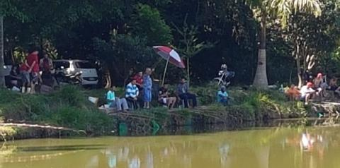 Vigilância Sanitária e Guarda Municipal fecham 'pesqueiro' e mandam 100 pessoas para casa