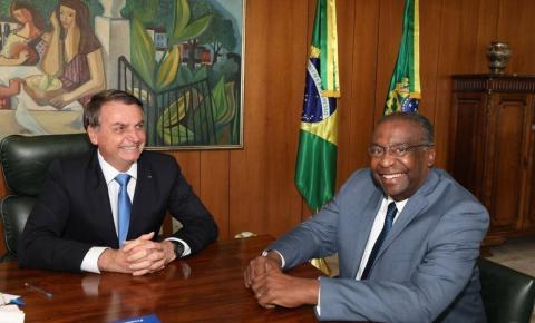 Urgente: Bolsonaro anuncia novo ministro da Educação