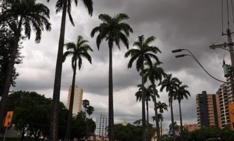 Feriado prolongado terá predomínio de céu nublado e temperaturas amenas na região