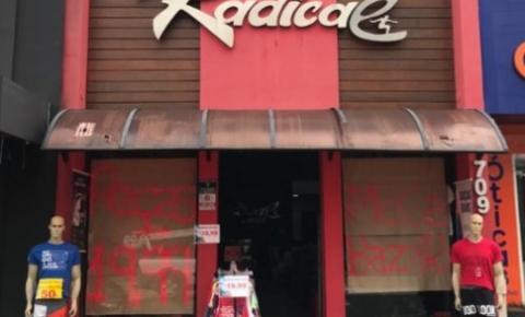 Loja Radical Vest de S. Bárbara realiza Esquenta Black Friday com até 50% de desconto