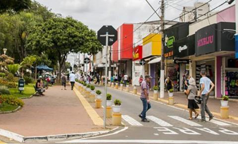 Comércio de S. Bárbara obedecerá decreto estadual e funcionará 10h por dia