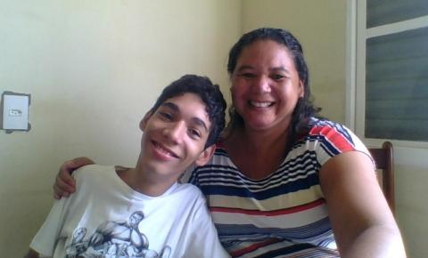 Jovem com paralisia cerebral e restrição de movimentos conquista 1º lugar na FATEC