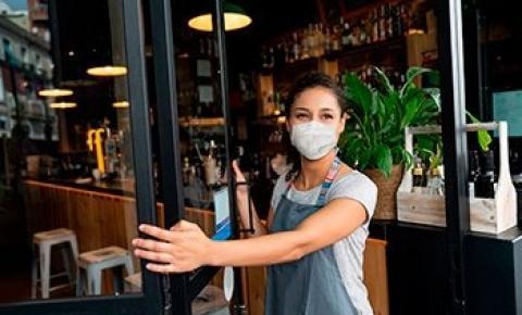 Bares, restaurantes e lojas podem voltar a funcionar aos finais de semana