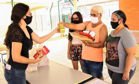 Educação cadastra alunos de S.Bárbara para receberem kit alimentação