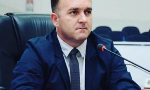 Vereador quer reduzir salário do prefeito e secretários de Santa Bárbara