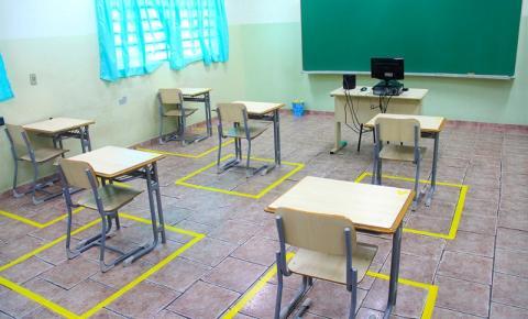 Pais poderão escolher se mandam ou não os filhos para a escola em S.Bárbara