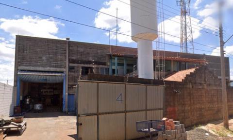 URGENTE: Empresa de óleo lubrificante pega fogo em S.Bárbara