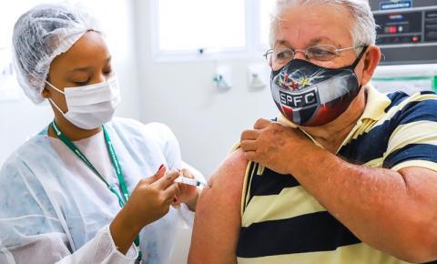 Americana e S.Bárbara antecipam vacinação de idosos com 69 anos para quinta-feira