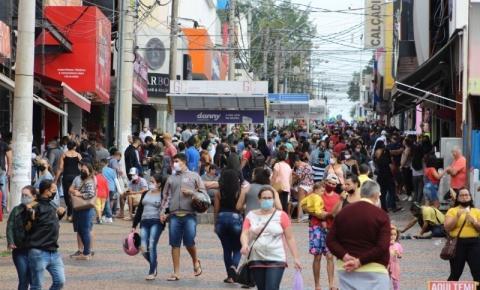 Governador autoriza reabertura do comércio e celebrações religiosas