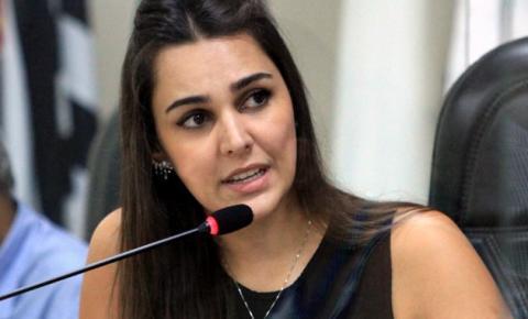 Nathália Camargo pede ampliação da faixa etária para xepa da vacina em Americana