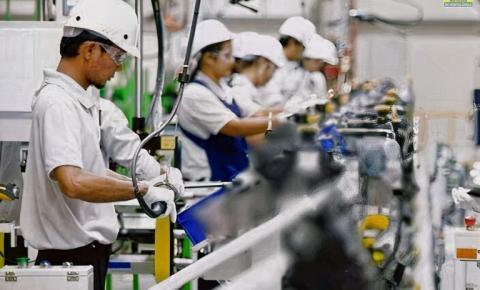 Multinacional tem 20 vagas para Auxiliar de Produção com salário de R$ 2,6 mil