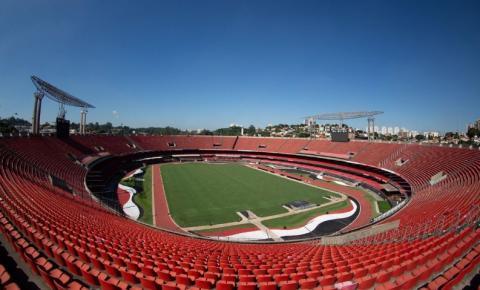 Estádios de futebol terão público a partir de novembro