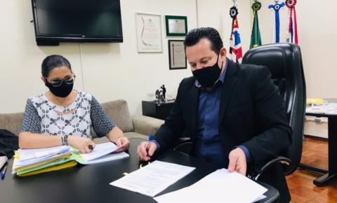 Thiago Martins assina contrato de nova sede da Câmara de Americana