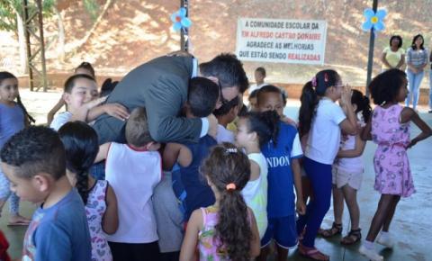Mais melhorias: Escola Municipal Alfredo Castro Donaire ganha nova entrada
