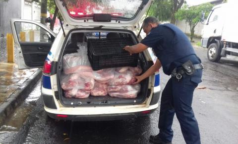 GM de Sumaré recupera 150kg de carne roubada de caminhão frigorífico, em Sumaré