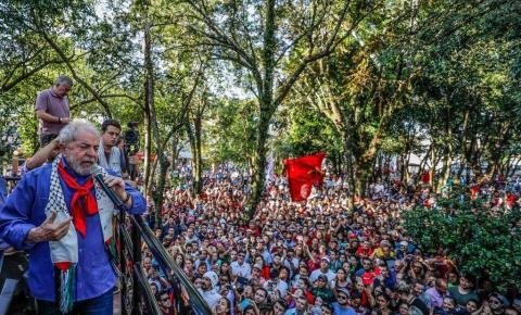 Grupos de apoio a Lula são recebidos com pedras em São Borja, no RS