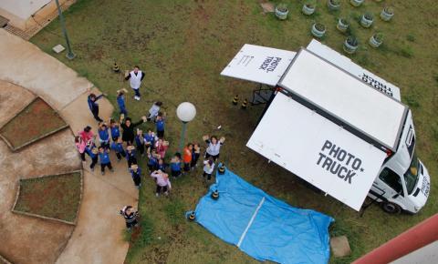 1° PhotoTruck do Brasil chega à Sumaré para oficinas de fotografia com alunos