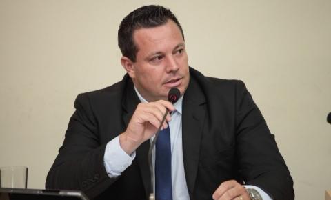 Vereador Thiago Martins pede informações sobre vacinação contra H1N1