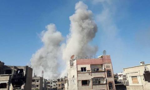 Ataque com gás na Síria deixa mais de 40 mortos em Duma e governo nega autoria
