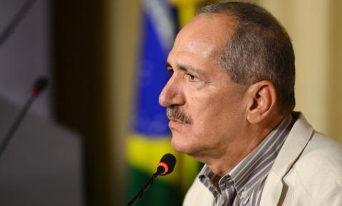 Aldo Rebelo anuncia saída do PSB por causa de Joaquim Barbosa