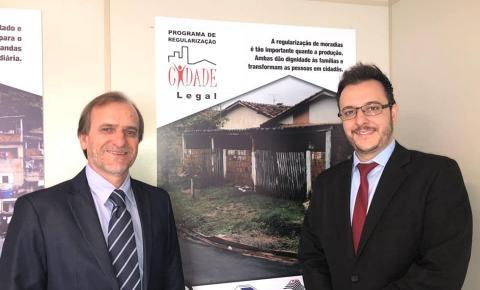 Prefeito Luiz Dalben assina convênio para regularização de núcleos habitacionais