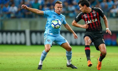 Em Porto Alegre, Grêmio e Atlético-PR ficam no empate sem gols pelo Brasileirão