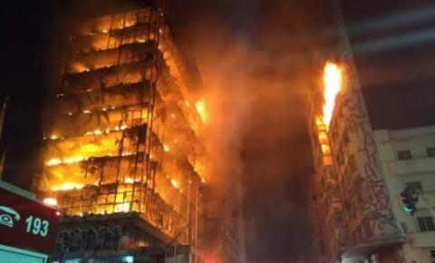 Incêndio de prédio no centro de SP deixa uma pessoa morta e desaparecidos