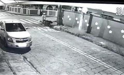 Corpo é esquartejado e abandonado em carrinho de mão; polícia prende 2 suspeitos
