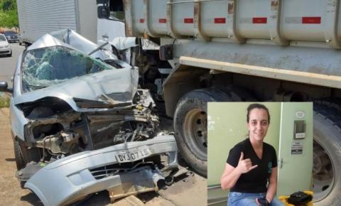 Veículo fica esmagado entre dois caminhões em Nova Odessa e motorista não sofre nenhum ferimento
