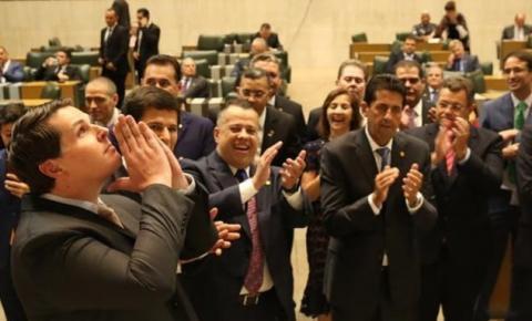 Deputado Cauê Macris (PSDB) é reeleito presidente da Alesp