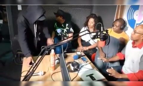 Rádio online é assaltada em São Paulo e crime é transmitido ao vivo