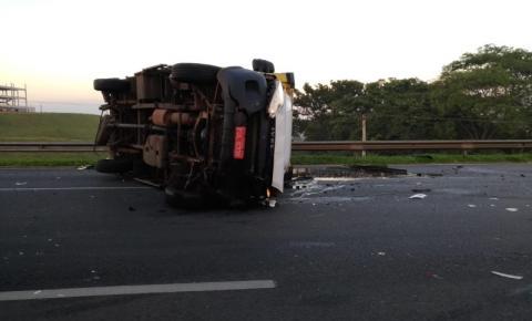 Acidente na Anhanguera deixa três feridos e causa congestionamento