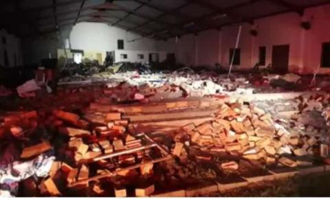 Desabamento de igreja na África do Sul deixa pelo menos 13 mortos