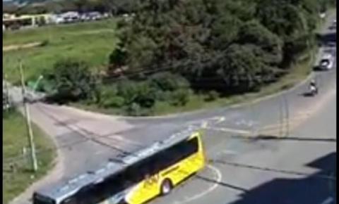 Homem furta ônibus, foge e é perseguido pela polícia em Valinhos