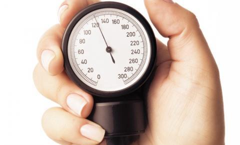 Controle da pressão arterial ajuda a evitar mortes